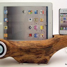 rockapplewood - ICN 300 - iPhone speaker docking station with iPad stand