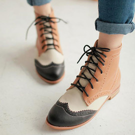 Roman Style Retro Lace-up Mixing Color Perforated Bootie