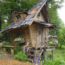 Whimsical Playhouse - Whimsical Playhouse
