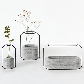 Decha Archjananun  - Weight Vases