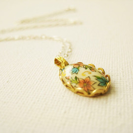 Luulla - Sterling silver necklace with vintage glass floral cabochon - Scented Garden