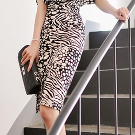 LUXE ASIAN - Korean Fashion Online Store 韓流 Trends Luxe Asian Women 韓国 clothing Luxe Leopard Dress