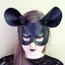 Mouse Mask in Black Leather