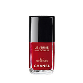 CHANEL - Le Vernis 677 Rouge Rubis