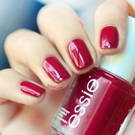 ESSIE - red