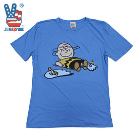 JUNK FOOD - Charlie Brown TEE