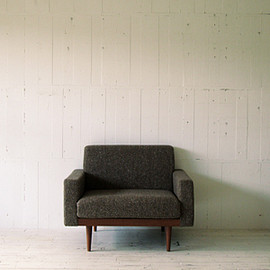 TRUCK - TORCH SOFA 1-SEATER FABRIC ARM