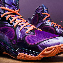 "UNDER ARMOUR - Anatomix Spawn ""Purple Voodoo"""