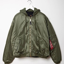 VETEMENTS - X Alpha Industries Oversized Reversible Bomber ( Green Black ) 2017 SS