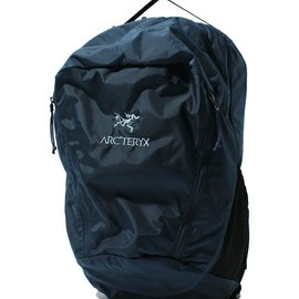 ARC'TERYX×BEAMS / 40th別注 URBAN FANNY