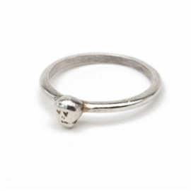 Chibi jewels - Tiny Skull Ring