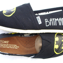 TOMS - The Batman Black and Yellow Custom TOMS