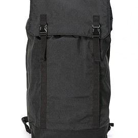 C6 - Slim backpack in ballistic nylon