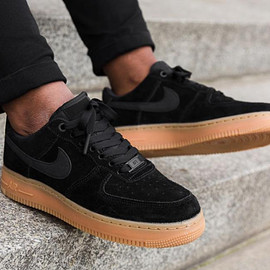 NIKE - Air Force 1 Low 07 SE - Black/Gum Medium Brown/Ivory/Black