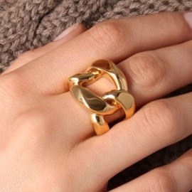 MICHAEL KORS - Gold ring.
