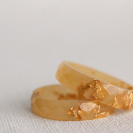 RosellaResin - caramel and gold thin multifaceted eco resin ring - size 8