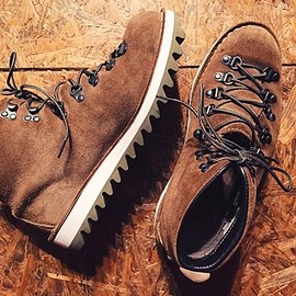 DANNER - Mountain Light + Vibram7124