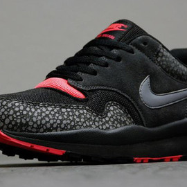 Nike - Air Safari - Black/Cool Grey/Red/Anthracite