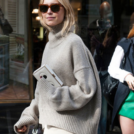 cozy_chic/Céline sweater@Paris FW