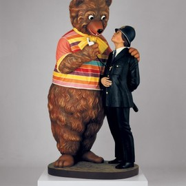 "Jeff Koons - ""Bear and Policeman"", 1988"