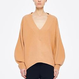 Tibi - Airy Extrafine Wool Sweater V-Neck  Pullover in Light Burlywood