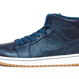 "NIKE - AIR JORDAN I MID NOUVEAU ""MICHAEL JORDAN"" ""LIMITED EDITION for NONFUTURE"""