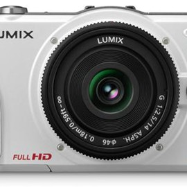 Panasonic - LUMIX DMC-GF2