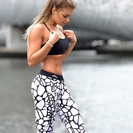 strong lift wear - SAFARI COMPRESSION PANTS - WHITE GIRAFFE leggings