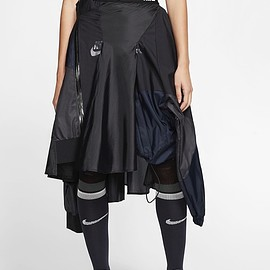 sacai × NIKE - wind runner Skirt Black/Dark Obsidian