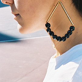 MARNI - DANGLING HORN AND METAL EARRING, COAL