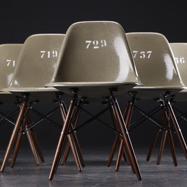 Eames (manufacturer : Herman Miller, Zenith Plastics) - Army Green Shell Side Chairs