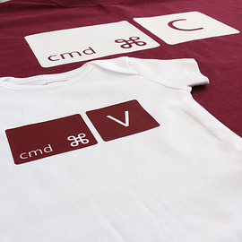 PRECIOUS LITTLE PLUM - Copy And Paste T Shirt And Baby Grow