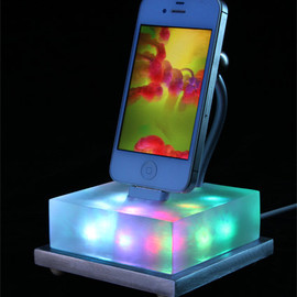 BurnerBoutique - iphone dock color changing Lavalamp