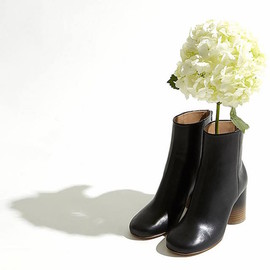 Maison Martin Margiela - Maison Martin Margiela Tabi Leather Ankle Boots