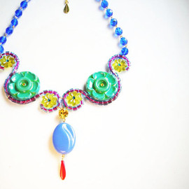 Ostara - Curvy Necklace12:34