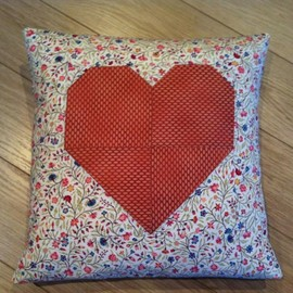 Luulla - HEART CUSHION - QUILTED