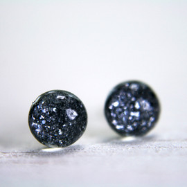 tinygalaxies - tiny globe earrings in charcoal