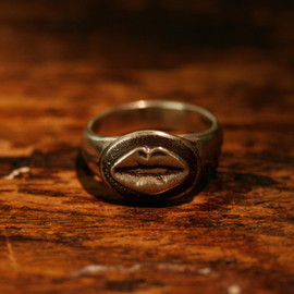 LYNCH SILVERSMITH - KISS RING