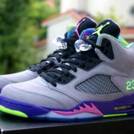 "Nike - NIKE AIR JORDAN V RETRO ""FRESH PRINCE OF BEL AIR"""