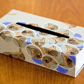 box and needle - TISSUE BOX