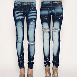 CHEAP MONDAY - Home Bleached Narrow Jean