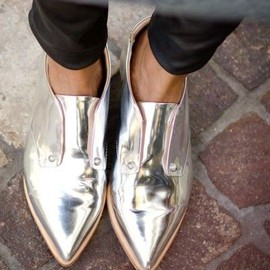 shoes/metallic oxfords