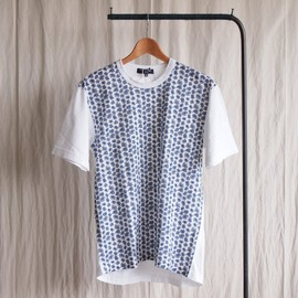 COMME des GARCONS HOMME - 綿天竺ペイズリー柄プリントT-Shirt #white