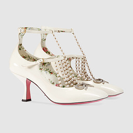 GUCCI - FW2017 T-strap leather pump with pearls