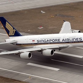Singapore Airlines - Singapore Airlines Airbus A380 Taking Off