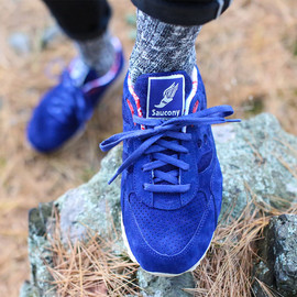 "SAUCONY - Bodega x Saucony Elite Shadow 6000 ""Sweater"" Pack"