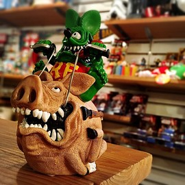 MOONEYES - RAT FINK Riding hogs Coin Bank