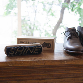IZOLA - Shoe Brush