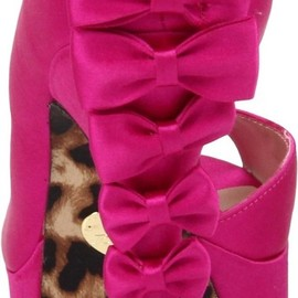 BETSEY JOHNSON - lots of bows!!!