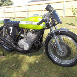 KAWASAKI - 1972 KAWASAKI S2 350 TRIPLE RACE BIKE